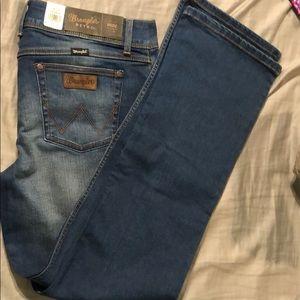 Wrangler women's jeans 13/14 x 32